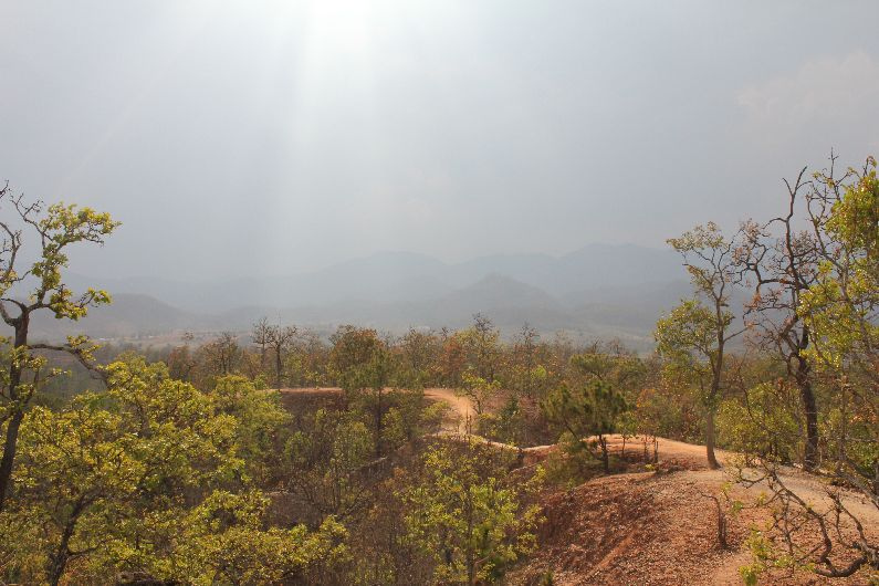 A perilous path at Pai canyon