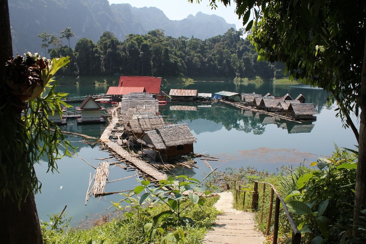 Raft houses at Chieo Lan Lake, Khao Sok