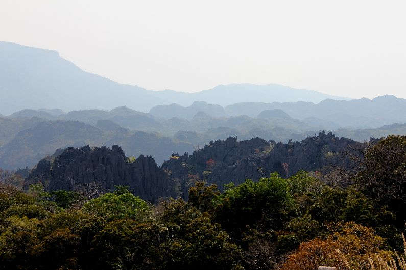 The breath-taking view, just before the town of Kuon Kham