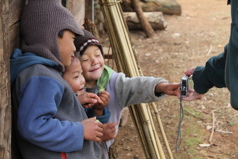 Smiley children at the Hmong village
