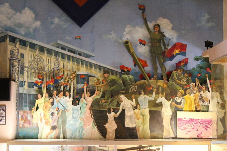 A mural inside the palace portraying the end of the war