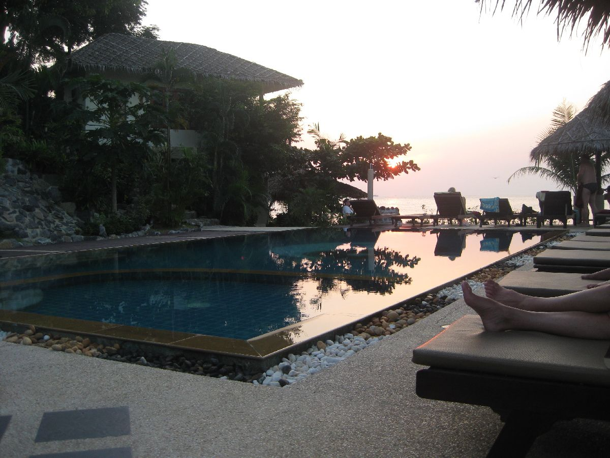 Pool at sunset Loyfa Resort Koh Phangan